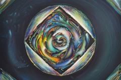 Chiave polifonica di poesia – la chiave di tutto è la bellezza della vita. Infatti questo fossile luminoso, colorato,  movimentato e poetico, ce lo ricorda