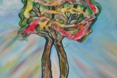 due alberi maestosi, possenti e liberi, si connettono intrecciandosi in un accogliente abbraccio